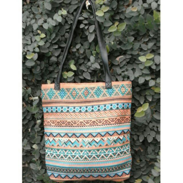 TOTTEBAG TRIBAL