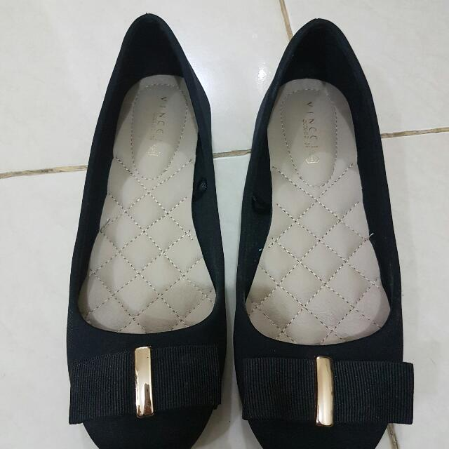 Vincci Black Flat Shoes