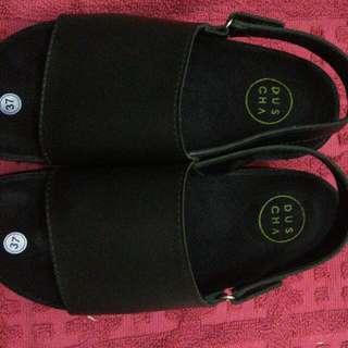 DUSCHA Sandals