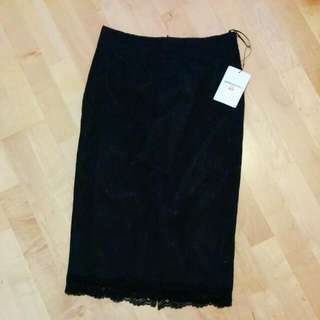 *Brand New* Uniqlo Lace Pencil Skirt