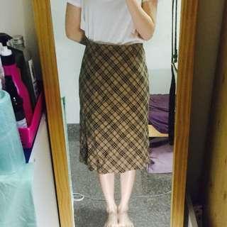 格子咖中長裙
