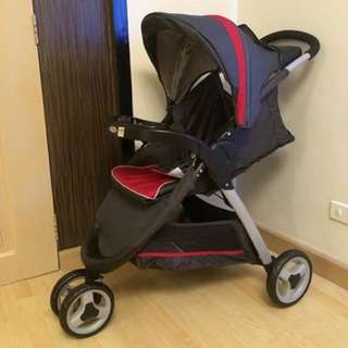 3 Wheel Fast Action Graco Stroller