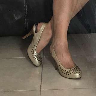 Nilou Shoes Authentic