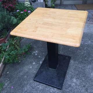 方形餐桌/早餐桌/餐桌/桌子