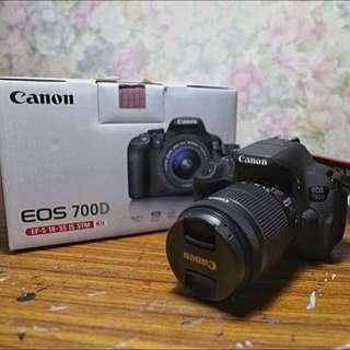Canon 700d + 18-55 Lens