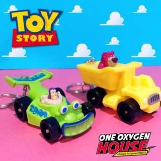 🚚 玩具總隊員 熊抱哥 巴斯 汽車 卡車 開車 鑰匙圈 吊飾 扣環 公仔 玩具