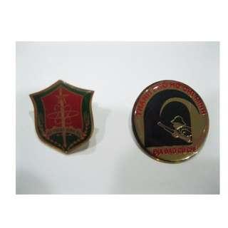 特殊造型徽章 兩個 3x3cm 2x2cm