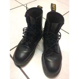 🚚 英國製造Dr.Martens 馬汀大夫經典基本款八孔靴_size8號(約Nike男版US 10號)