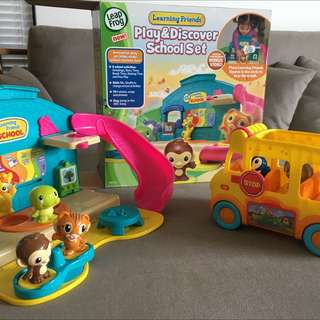 Leapfrog learning friends play & discover school set with adventure bus