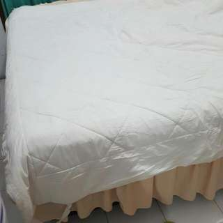 MOVING SALE! BED SHEET PELAPIS SEBELUM SPREI