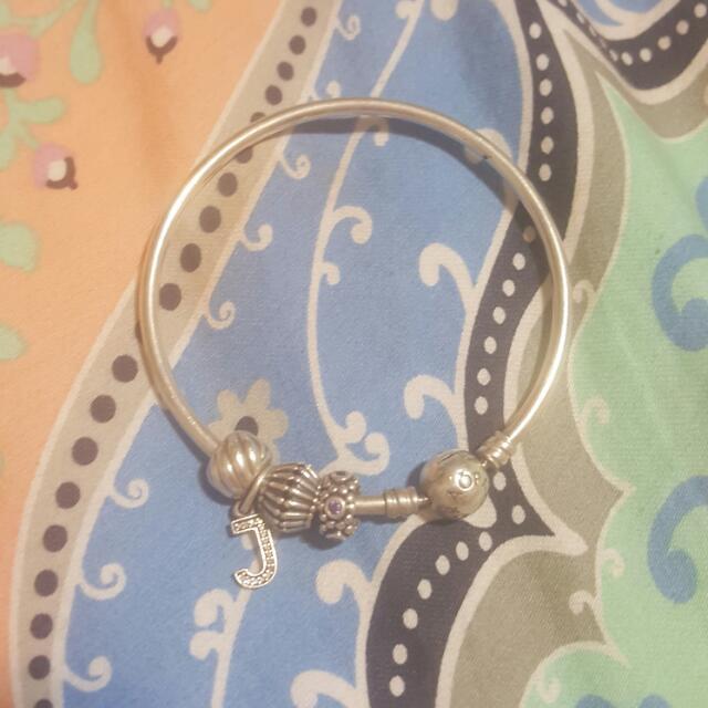 17cm Pandora and charms