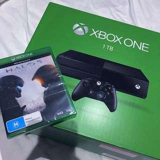 1TB XBOX One + Halo 5