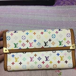 Special price today $200 Lv wallet (Open to trades!!!)