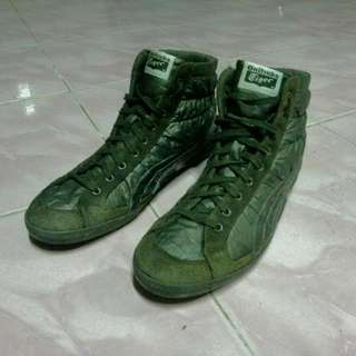 Onitsuka Tiger Mid Cut Leather Size US 9.5