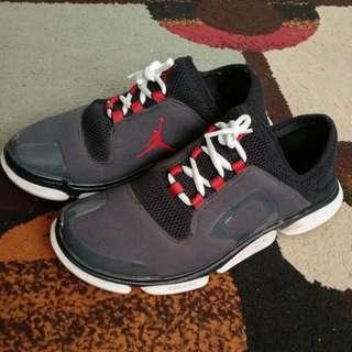 Jordan Running Shoes Black/grey/red Size 8 Mens