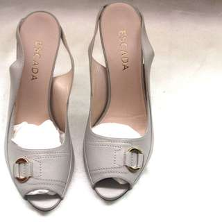 Escada slingback opentoe golden buckle heels
