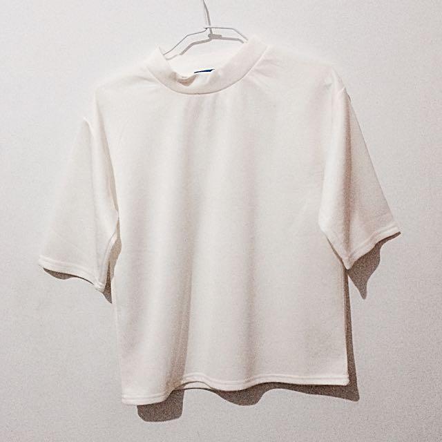 🚨降🚨白色太空棉小高領上衣 #轉轉來交換 #一百元上衣