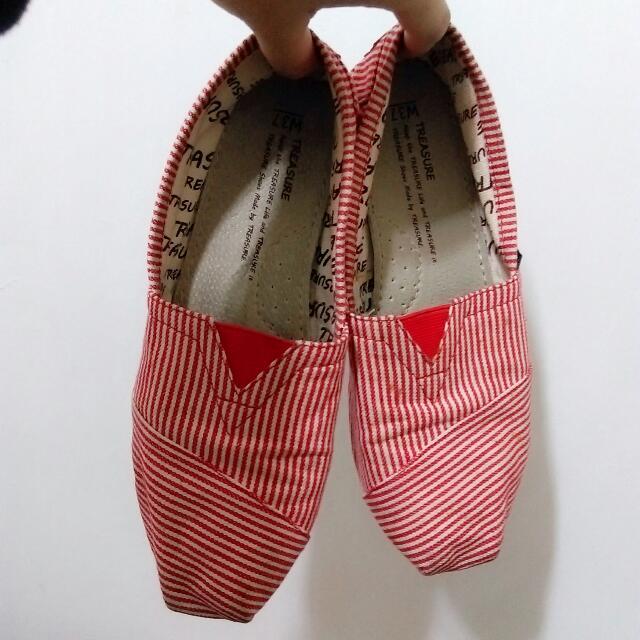 紅條紋平底懶人鞋
