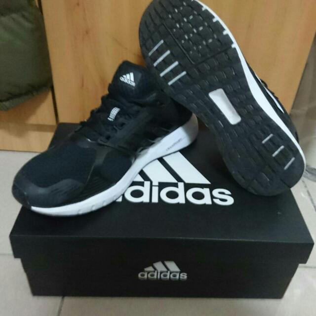 Adidas男鞋