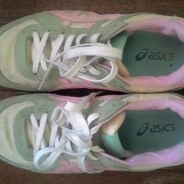Asics Running/Walking Shoes (Selling/Trade)
