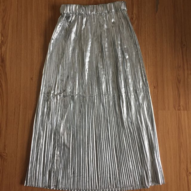 BNWT H&M Silver Pleated Midi Skirt