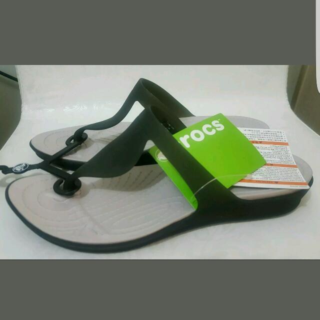 453746de4 Crocs Rio Flip Flops