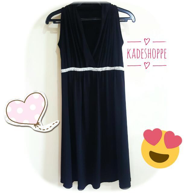 Empire Cut Sleeveless Black Dress