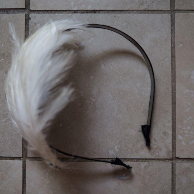 Feather hair bow