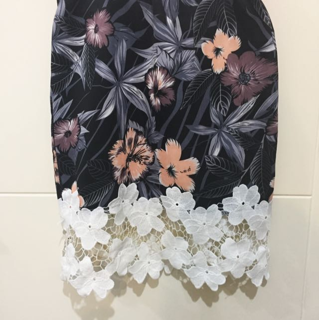 Floral Body Con Skirt