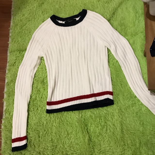 Forever 21 Knitted Sweater
