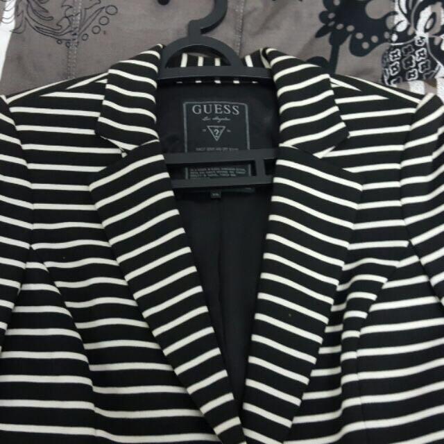 GUESS 黑白橫條外套