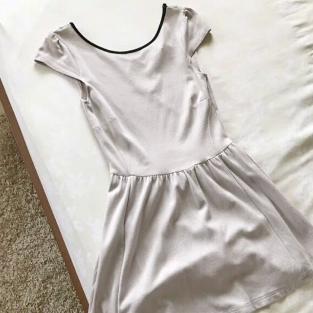 H&M Back Circle Dress
