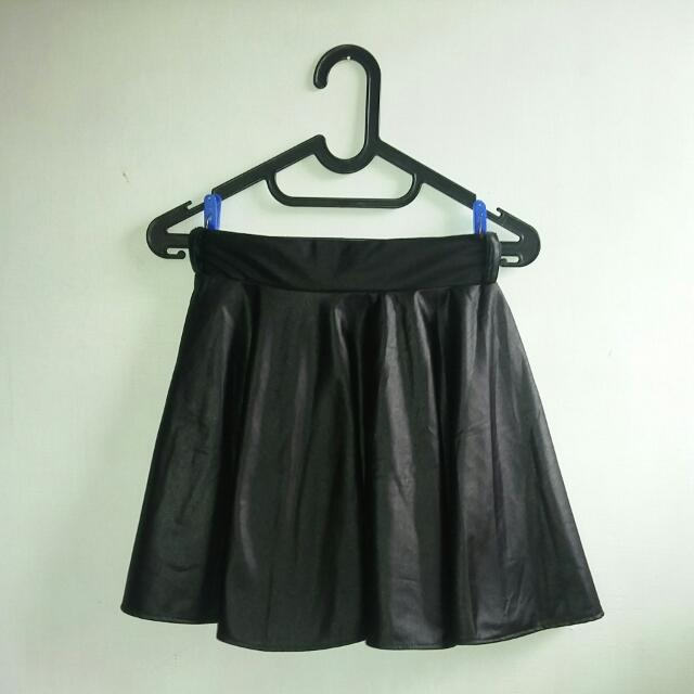 Mini Leather Flare Skirt Black (Rok Mini Hitam Semi Kulit) + Bonus Scarf Motif