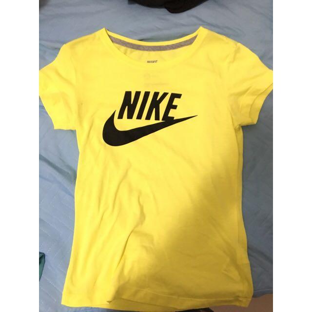 Nike 鵝黃 經典LOGO T