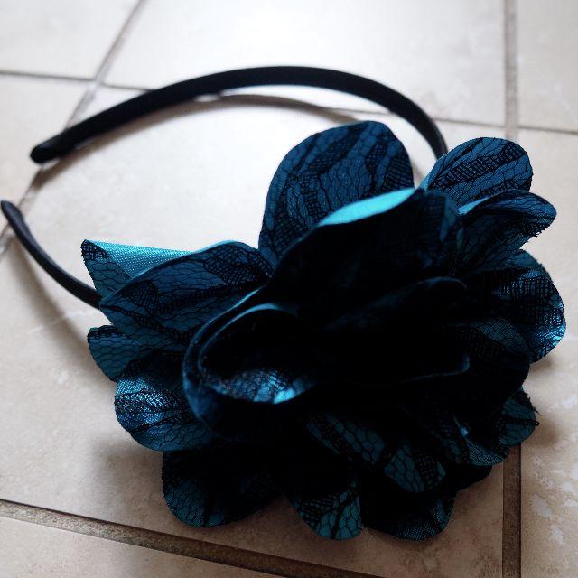 Petroleum blue flower bow