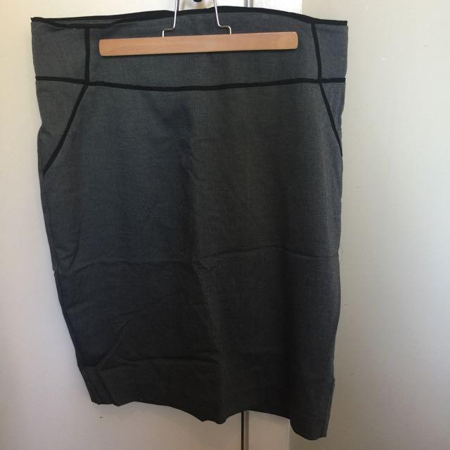 Portmans Pencil Skirt - Size 12