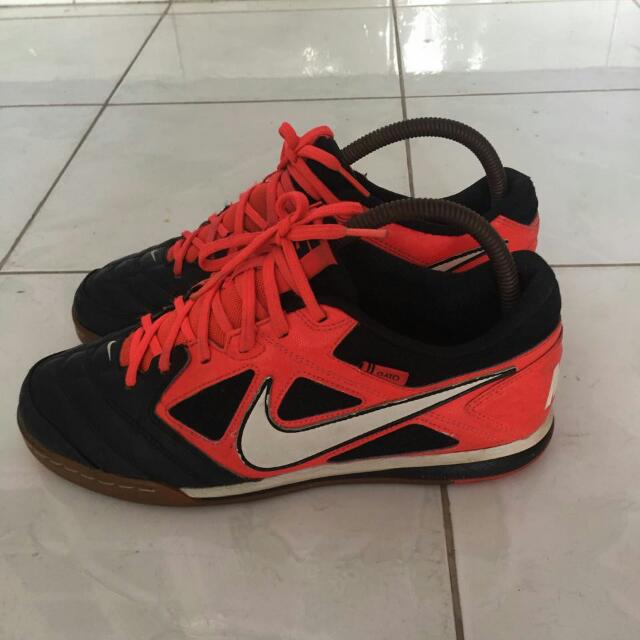 Preloved Nike Gato 5 Futsal Indoor Shoes 9d75b22bd