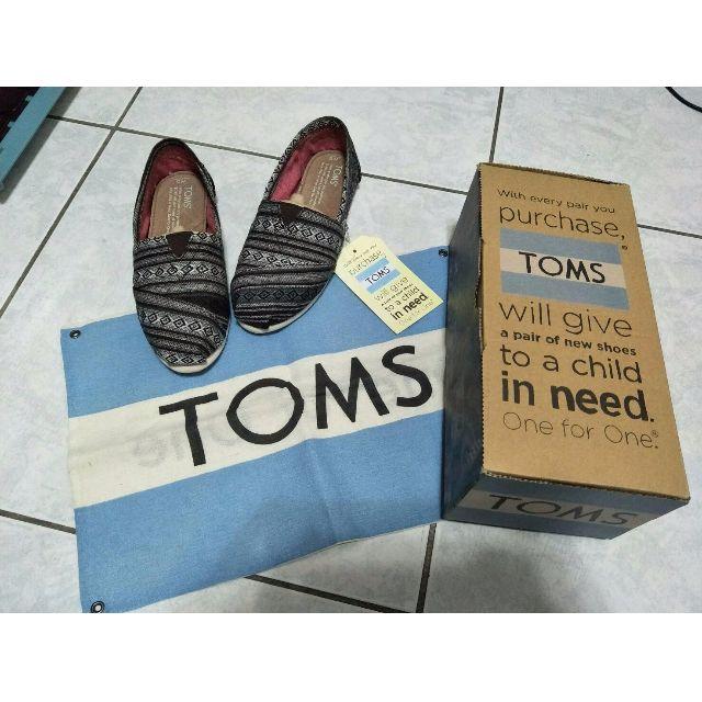 TOMS 圖騰休閒鞋 22半