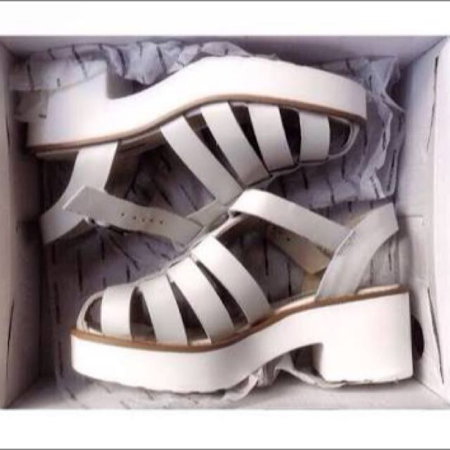 WINDSOR SMITH white Lily Sandals
