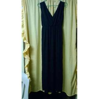 Maxi dress by Iconic