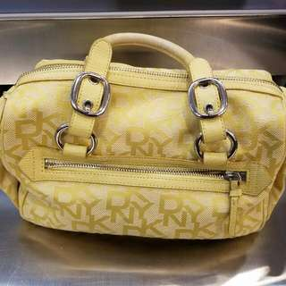 DKNY 手袋,100% real,原價$2180,新舊如圖,歡迎任何地鐵驗貨交收