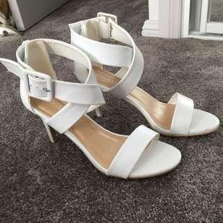 Size 8 White Wildfire Heel