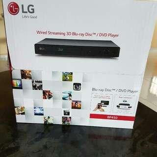 LG Wired Streaming 3D Blu-Ray Disc/DVD Player