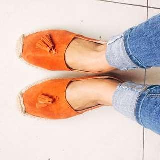 (降)亮橘色麂皮流蘇草編鞋懶人鞋
