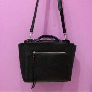 REPRICE❗️❗️ Stradivarius Bag M Black