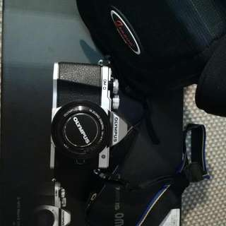 Olympus E-M10 Mk ll With Single Lens And Bag