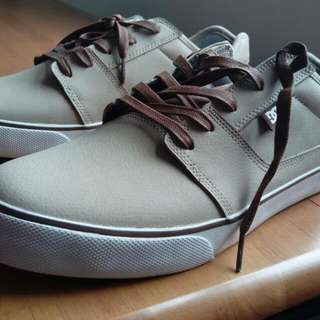 Unused DC Shoes
