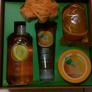 Body Shop Gift Set *price reduced*