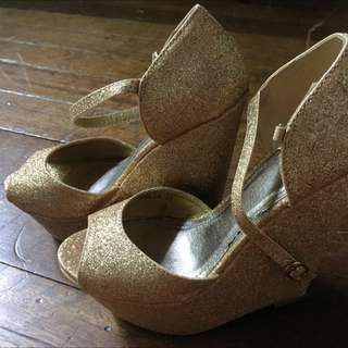 So Fab Gold Wedge Shoes