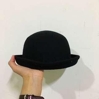 黑色小圓帽